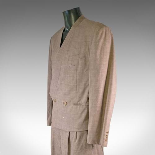 DAVID BOWIE SUIT TAKES THE SPOTLIGHT AT AUCTION IN DEVON